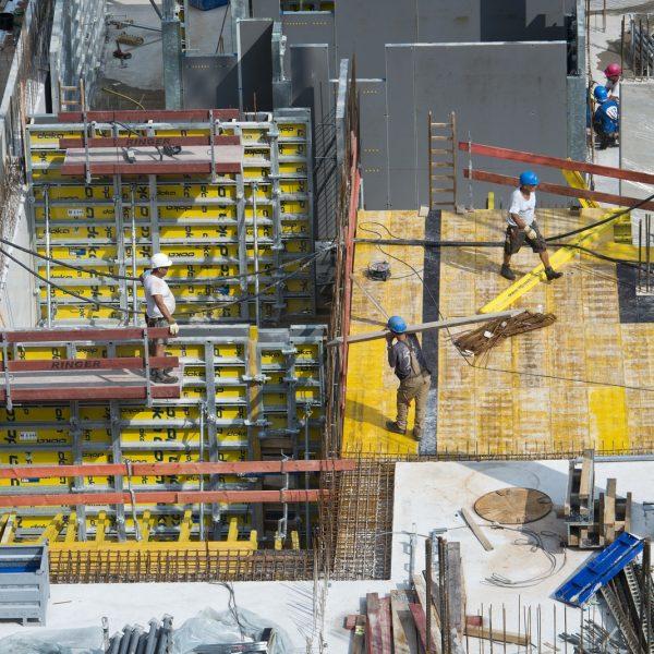 """Die Arbeiten auf der Baustelle """"Neue Mitte Porz"""" schreiten voran © Dörthe Boxberg"""