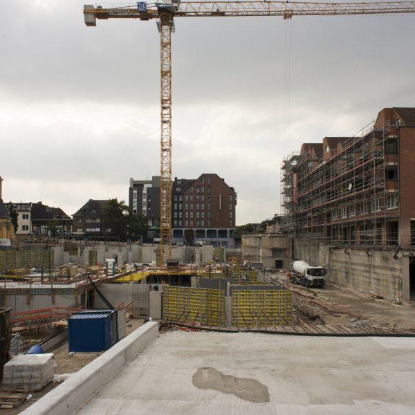 Ansicht der Baustelle aus Richtung des City Centers - im Vordergrund das Verteilerbauwerk © Dörthe Boxberg