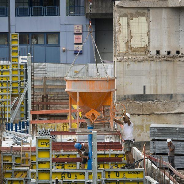 Wände werden mit Beton verfüllt © Dörthe Boxberg