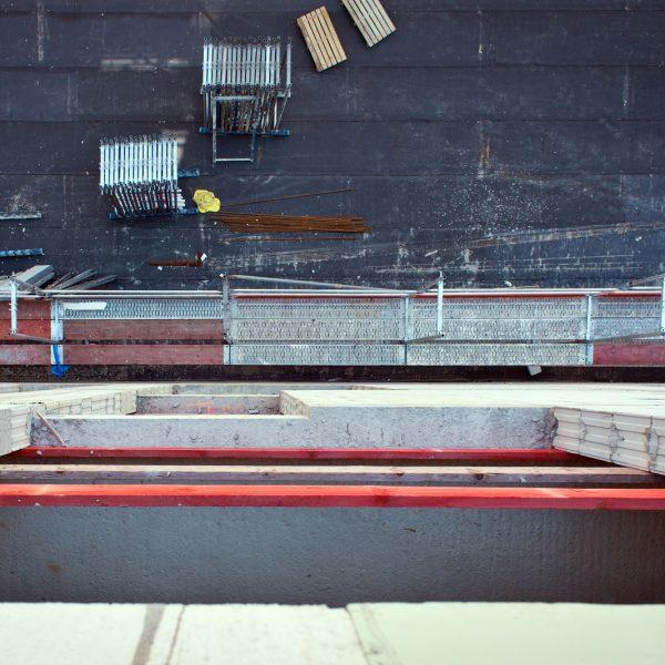 Blick auf den abgedichteten Rohbau der Fußgängerrampe © Dörthe Boxberg