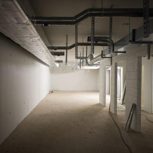 Untergeschoss, in dem die zukünftigen Mieterkeller untergebracht werden © Dörthe Boxberg