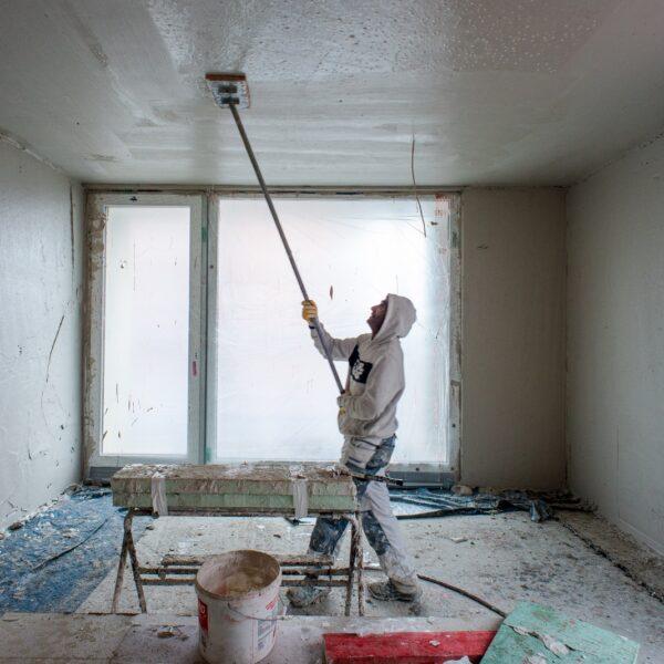 Putzarbeiten in Haus 1 © Dörthe Boxberg
