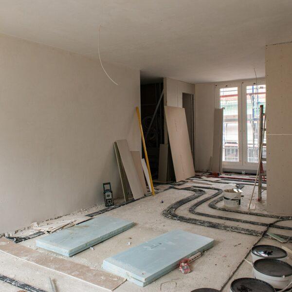 Ausbauarbeiten der Wohnungen in Haus 1 © Daniel Poštrak