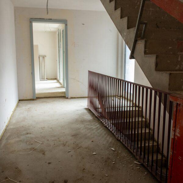 Treppenhaus Wohngeschoss Haus 1 © Daniel Poštrak